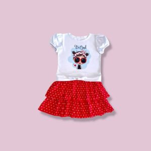 Look to the hem finished with a ruffled trim for girly appeal. The cotton silhouette features a glittery print that depicts a colourful photo of pretty girl, set to add that desired chic touch to her look with ease.
