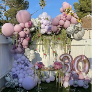 marble and lavender balloon set up